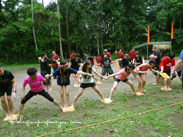 Bali team building stepping mat games